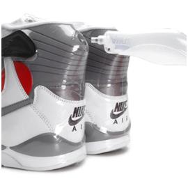 Using the pump to apply pressure to Nike Air Pressure sneakers